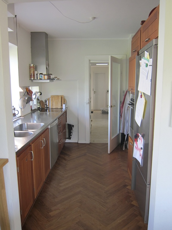 Kitchen (is connected to dining room)