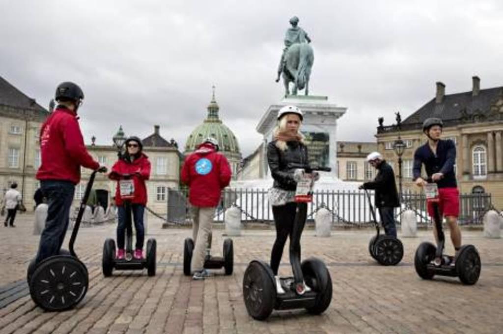 Segway tours Copenhagen. Amalienborg Castle.