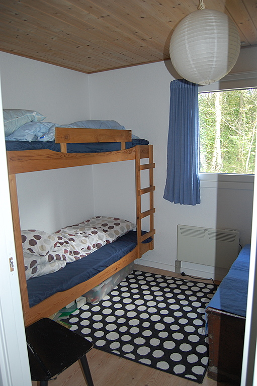 Summer cottage -bunk beds, Lego and games