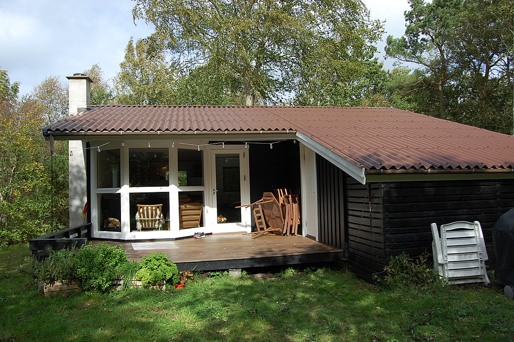 "Summer cottage from the ""garden"""