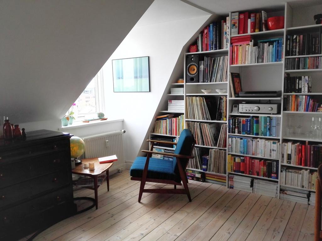Reading corner:-).