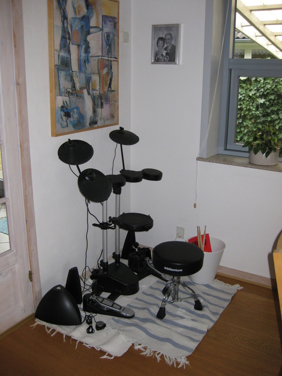 Jens Jakob's drums in the living room