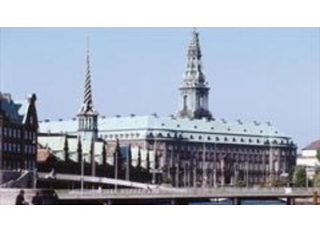 The Parliament and the old Stock Exchange building