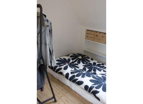 1) Bedroom