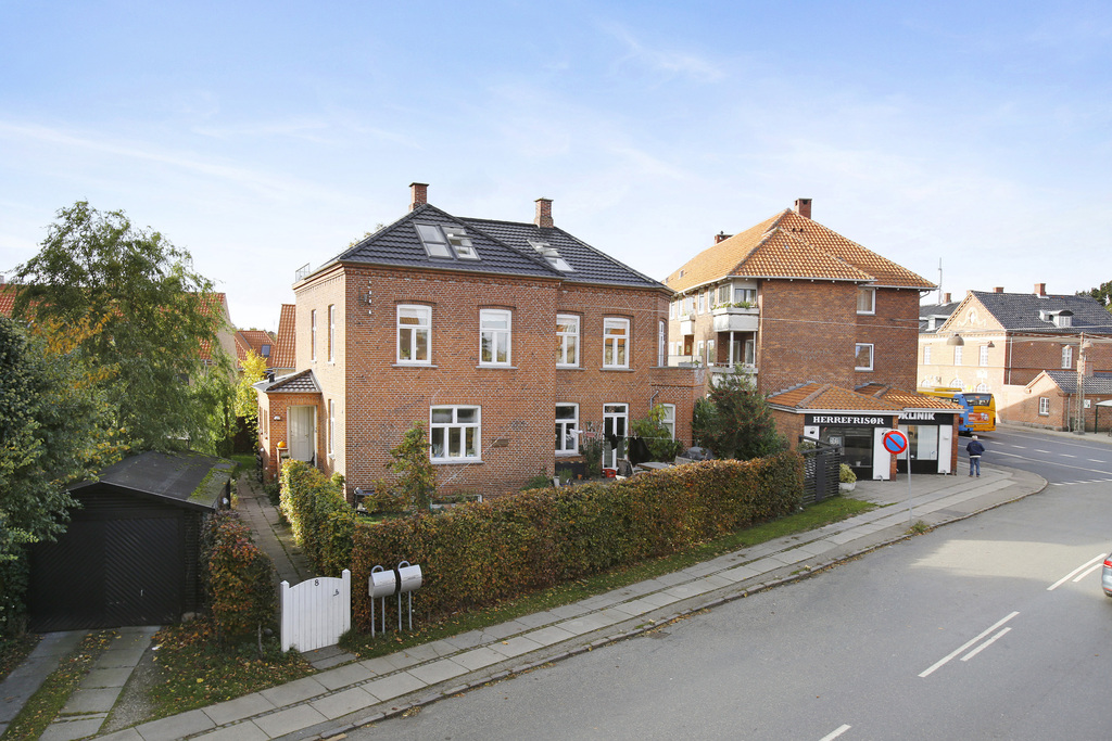 The house is located in the center of the small fishing village Dragør