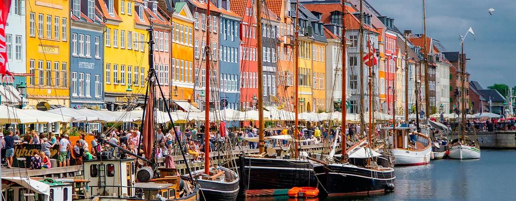 Nyhavn, Copenhagen (45 min)