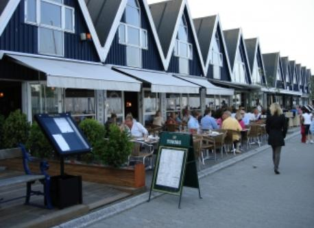 Restaurants and shops in Rungsted Marina