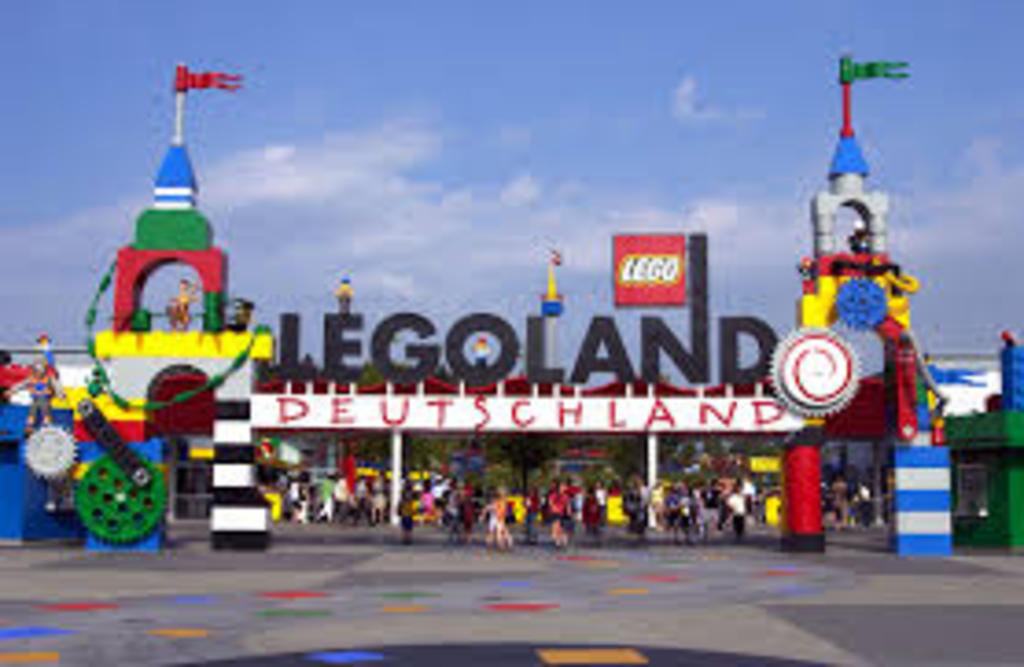 We live close to Legoland (1 !/2 hour by car)