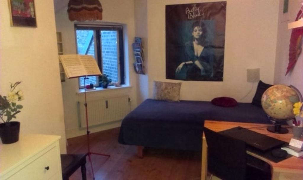Musikzimmer und kleines Schlafzimmer