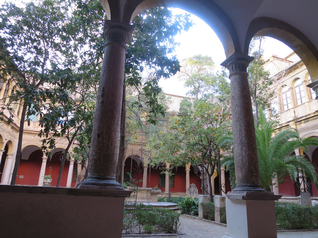 Museum del Carmen, a peaceful place in a ancient monastery very close to the apartment