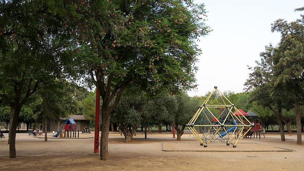 parc miraflores at 5 minutes walking