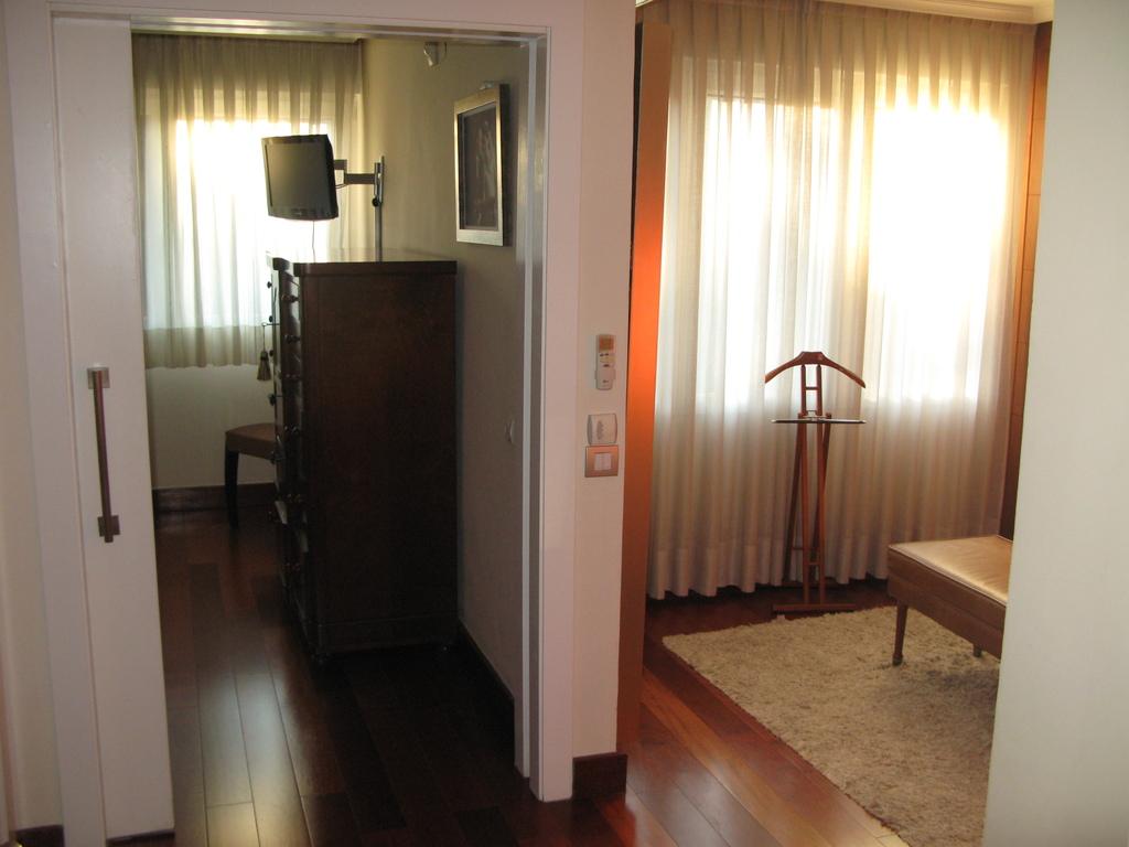 Master Bedroom hall