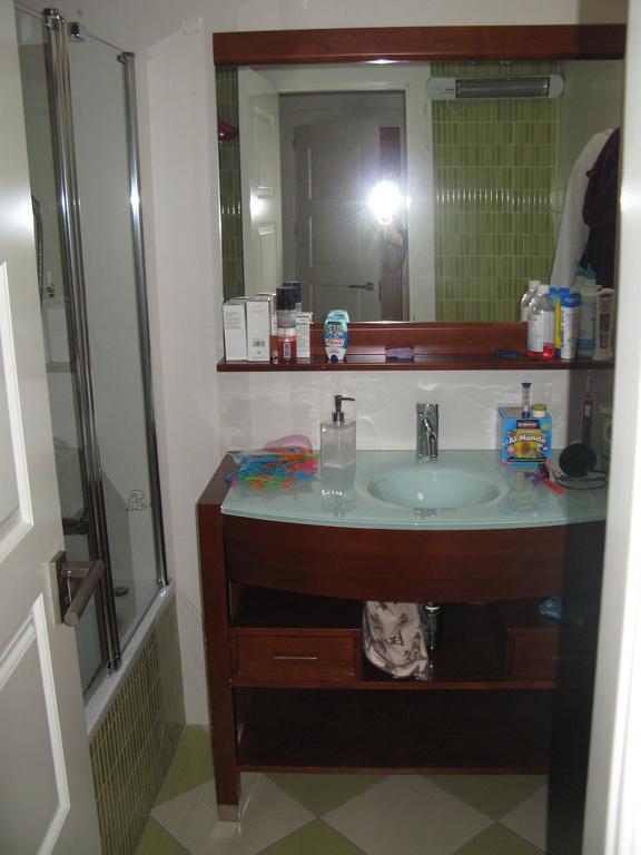 Childs bathroom n1