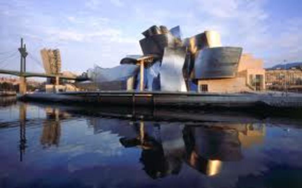 Bilbao (1h), Guggenheim Museum (Frank Gehry)