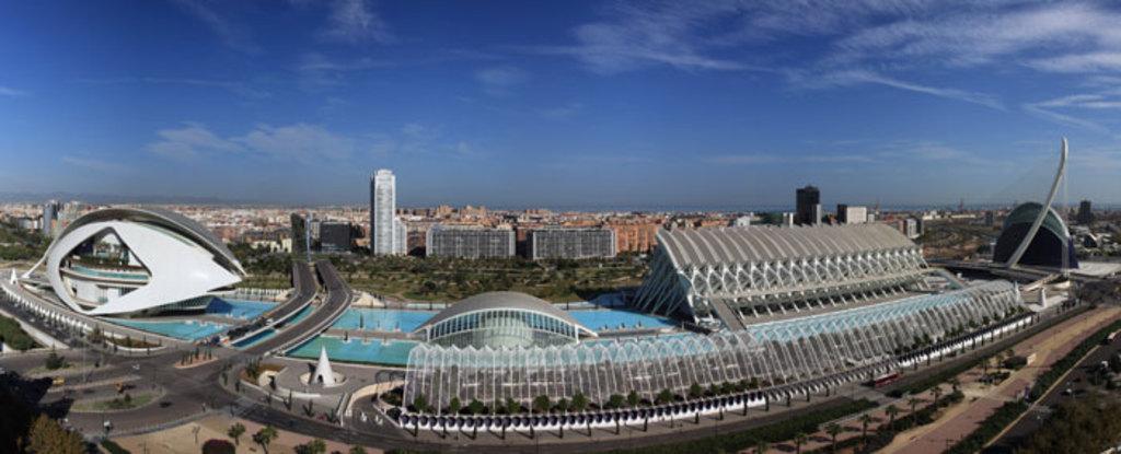 What see? E.g.: Museo de las Artes y las Ciencias. Valencia http://www.cac.es