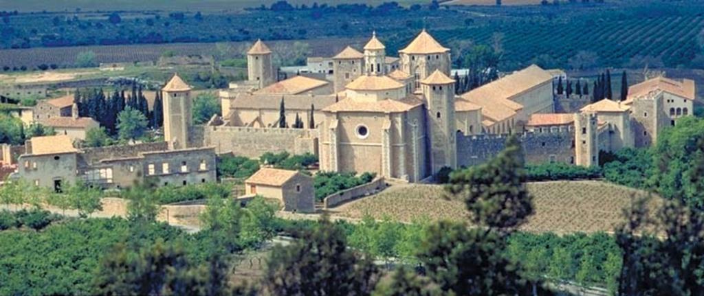 Poblet, monasterio (50 min coche)