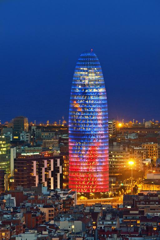 Barcelona (1 h.), Torre Agbar