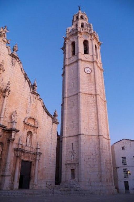 Le clocher de l'église de Alcalà de Xivert
