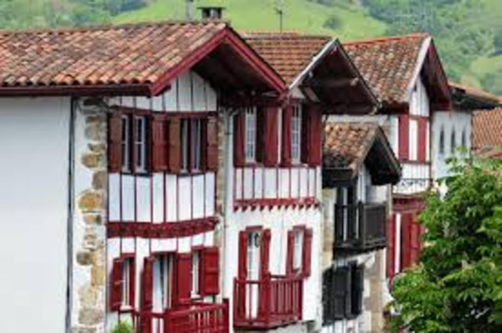 Picturesque houses (North of Navarra)