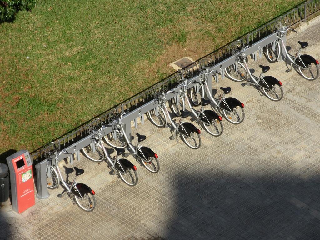 Un arrêt de vélos juste à la porte de l'immeuble