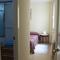 Main bedroom (entrance, bathroom en suite) / Dormitorio principal, entrada (baño en suite)