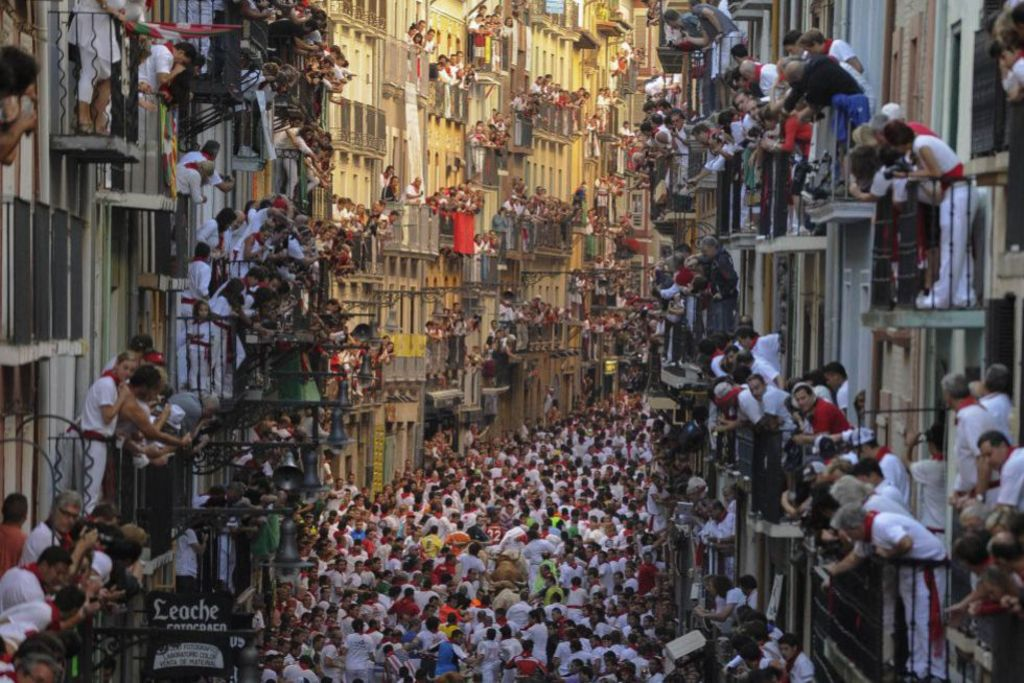 Pamplona/Iruña-San Fermin festival (Running of the Bulls 08:00 am)