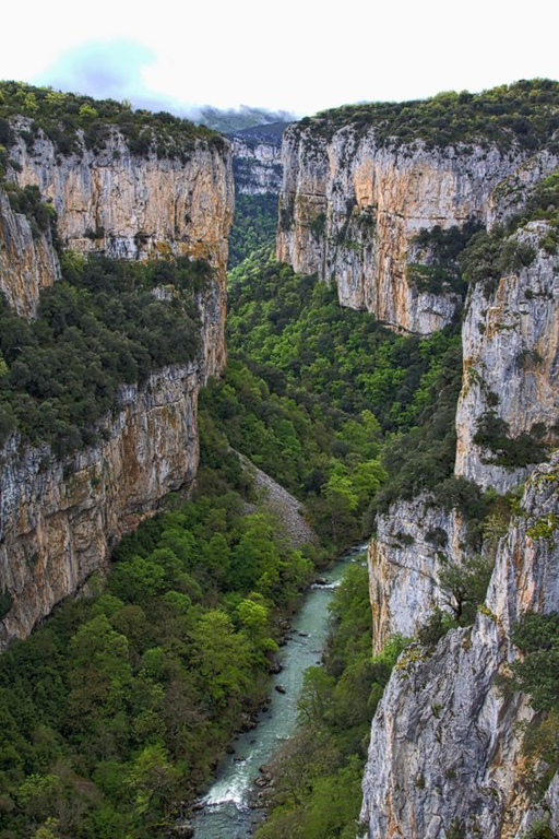 """Foz de Arbaiun"" spectacular gorge of the river Salazar"