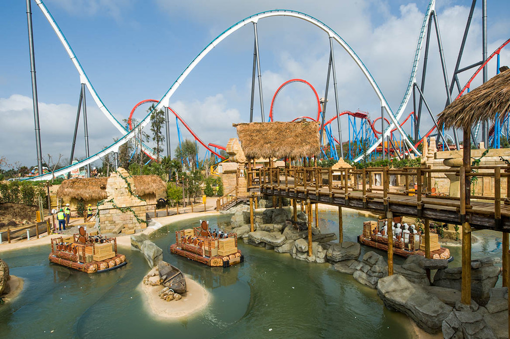 PORT AVENTURA 15 minutes drive frome home