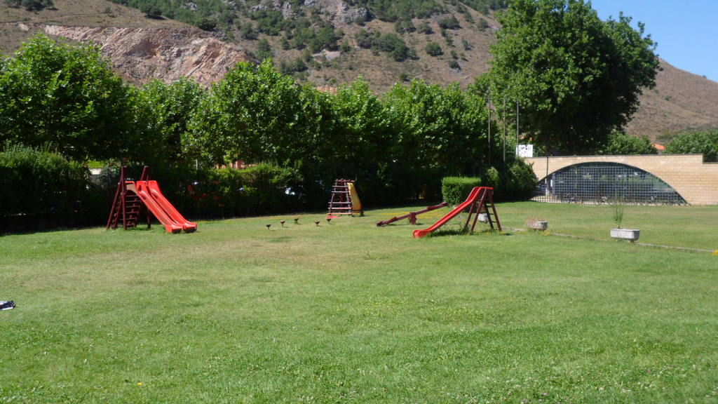 EZCARAY. Public playground.