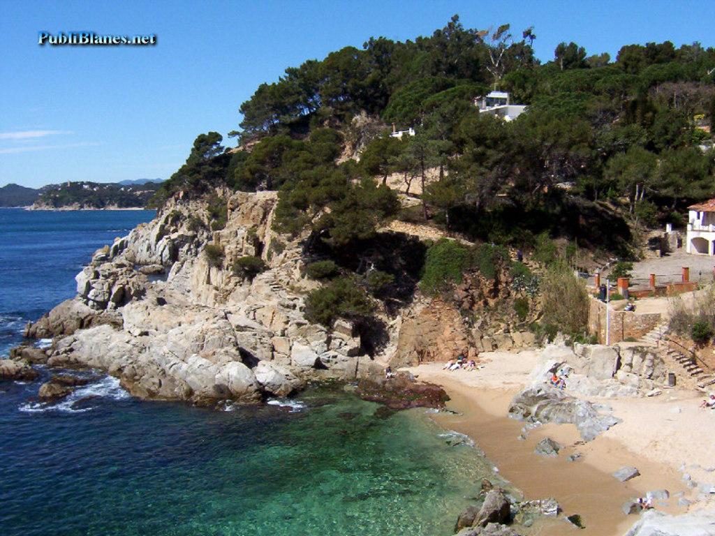 Playa de lloret, camino del castillo. A 16 km de Vidreres