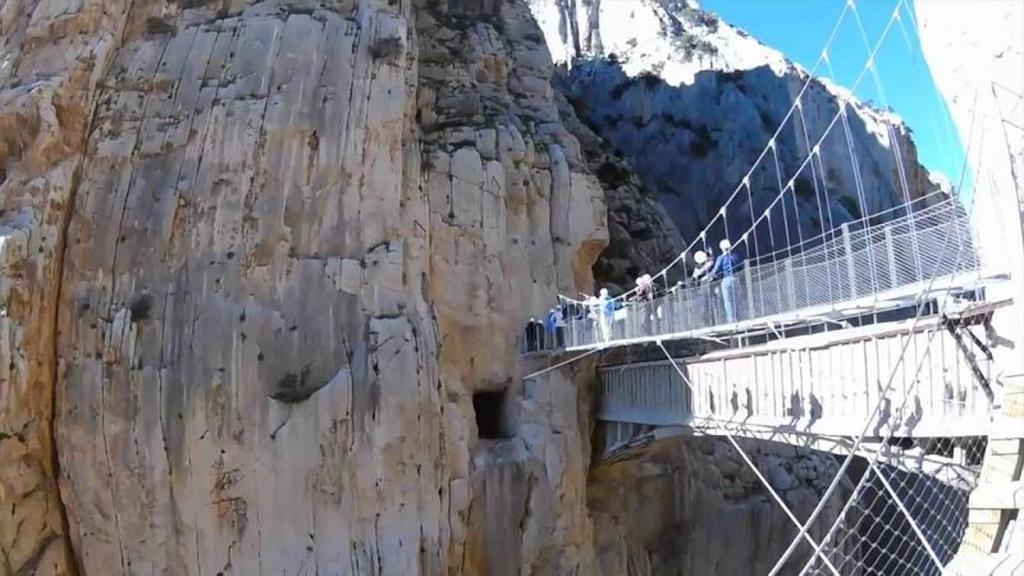 Puente colgante en el Desfiladero de los Gaitanes