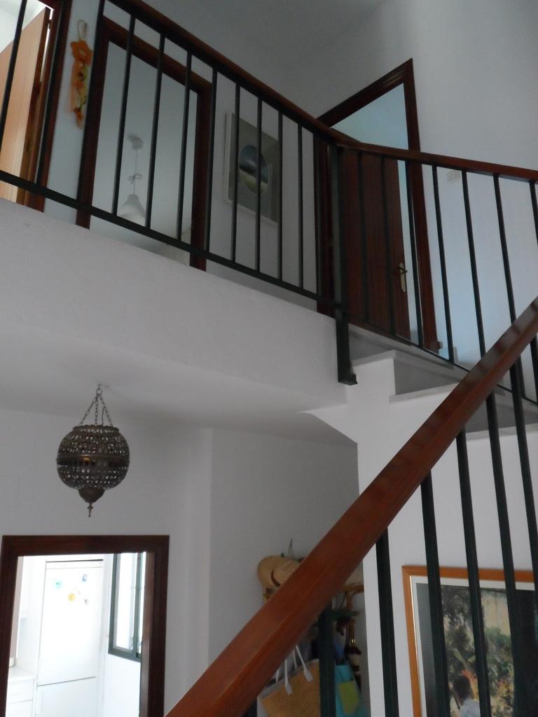 escalera de subida a la segunda planta