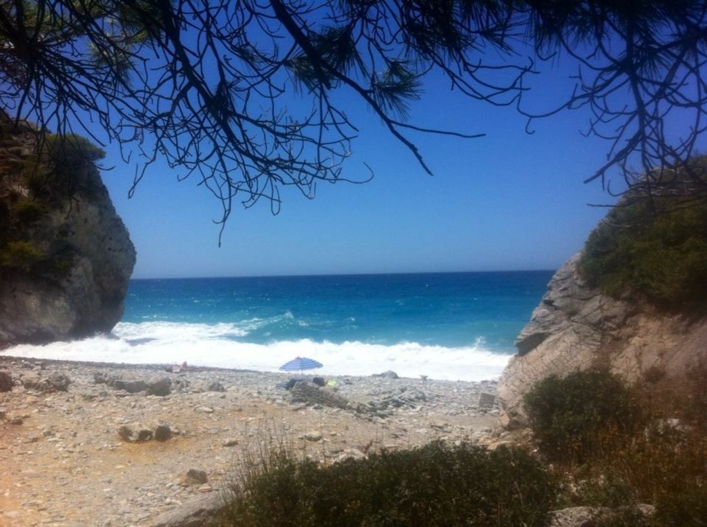 Playa naturista de Cantarrijan (Granada)