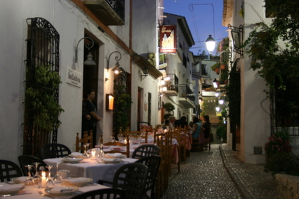 Mediterraneam streets located at 10 minutes from the apartement