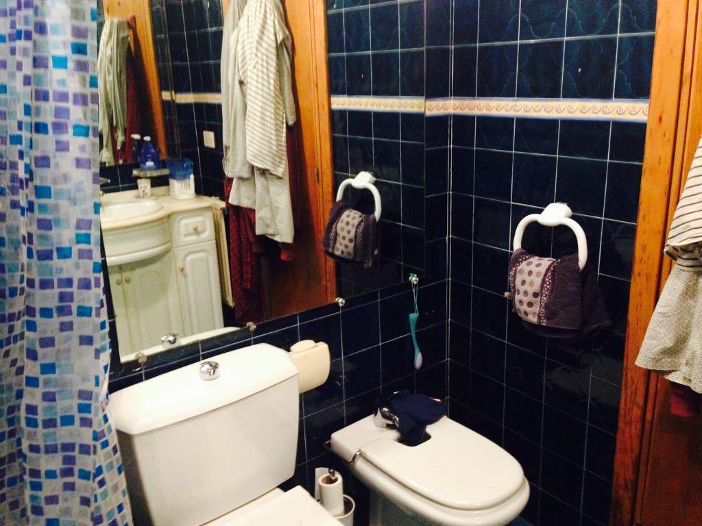 Tolosa bathroom 1