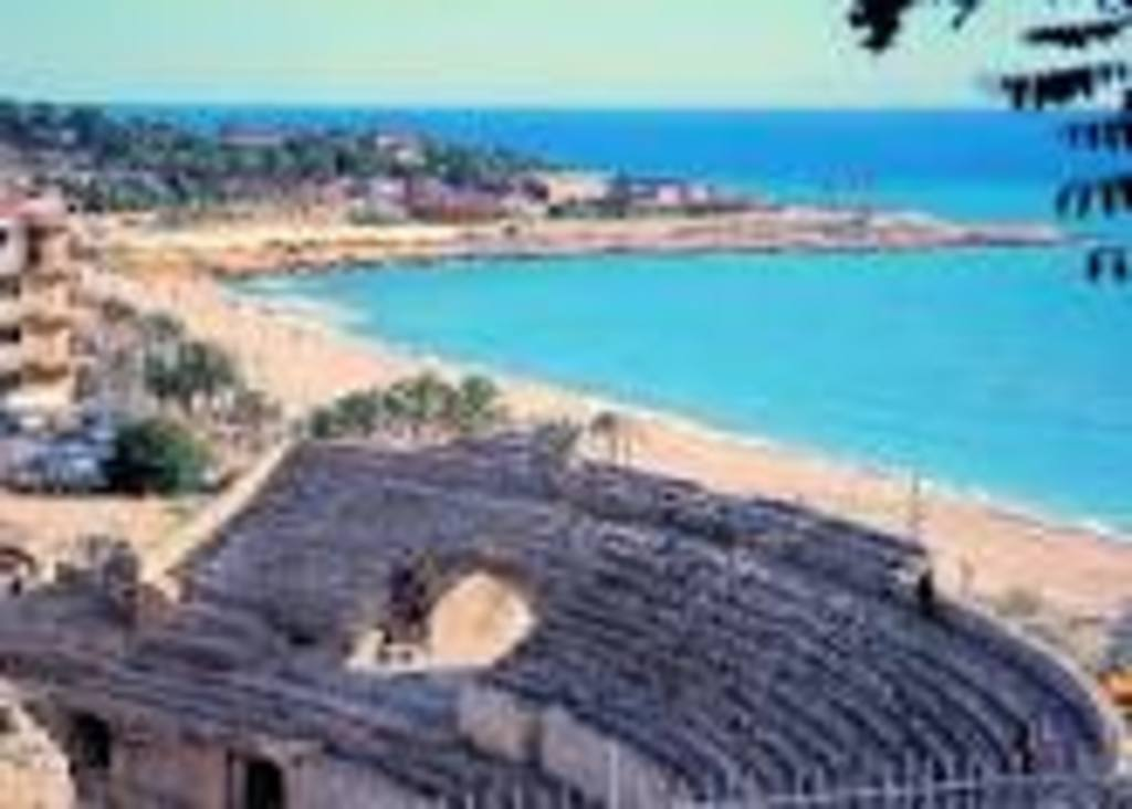 Tarragona has lots of Roman ruins, as the roman amfitheater
