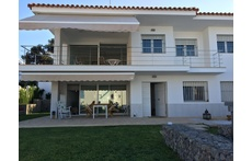 2.1) Front view of the beach house
