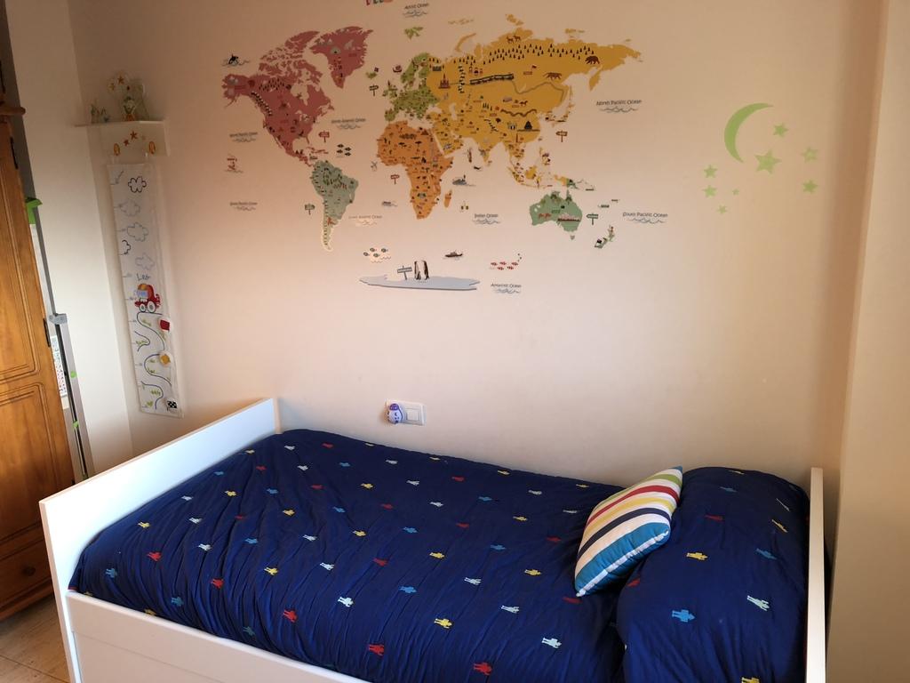 Leo's bedroom