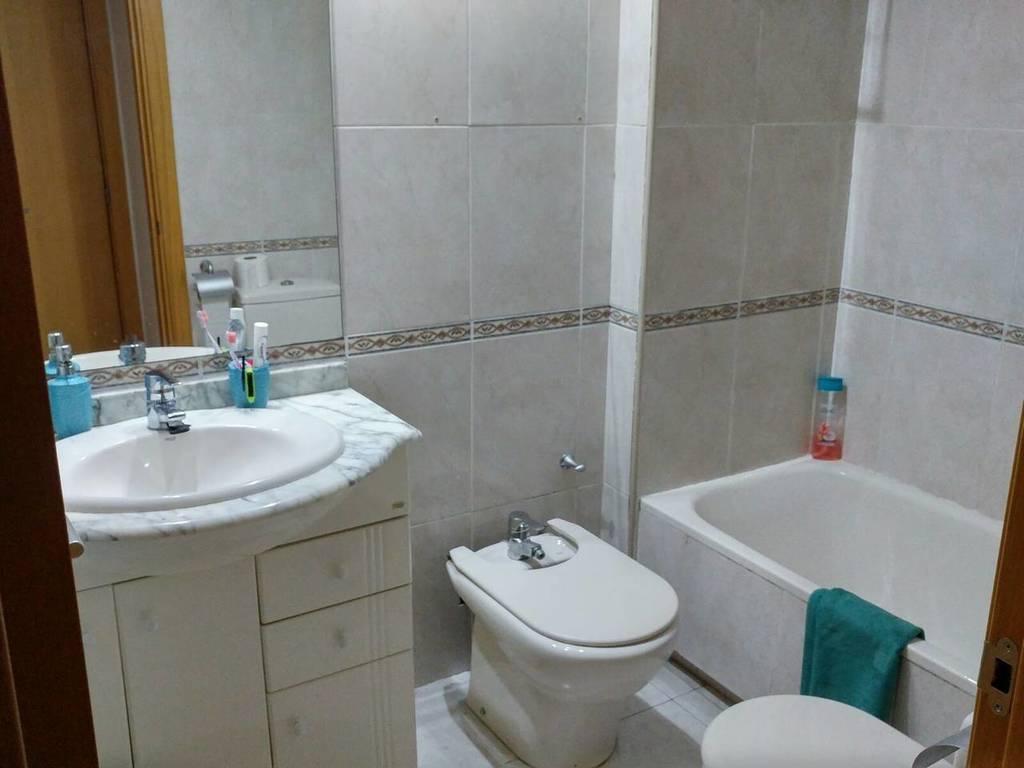 Cuarto de baño 2 / Toilet 2
