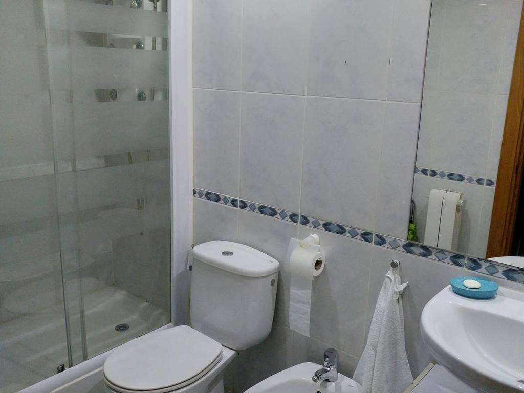 Cuarto de baño 1 / Toilet 1