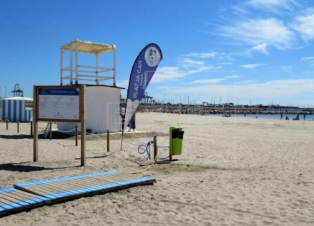 Playa Pinedo (11min. by car)