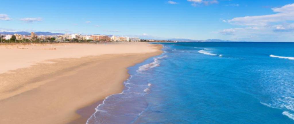 Malvarrosa beach_20 minuts by car