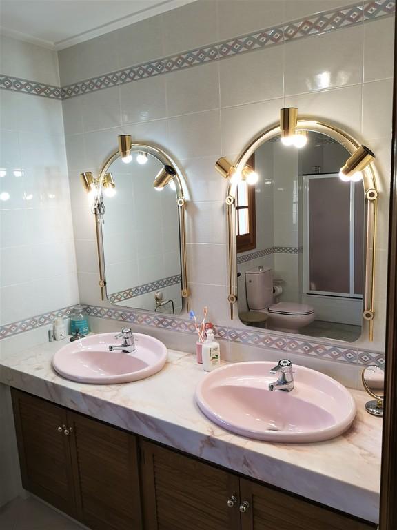 Donwstairs big bathroom