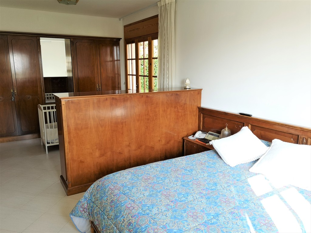 Donwstairs main double room