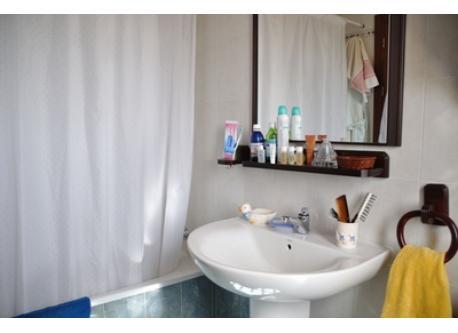 BAÑO PRINCIPAL  MAIN BATHROOM