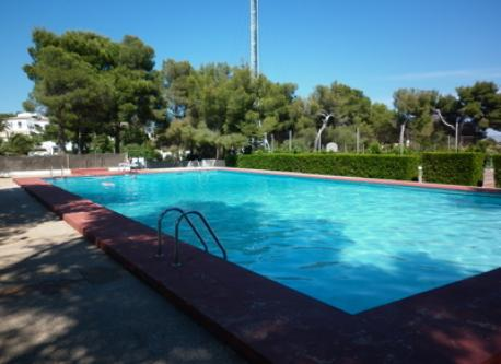 Swimming pool in the public tennis club