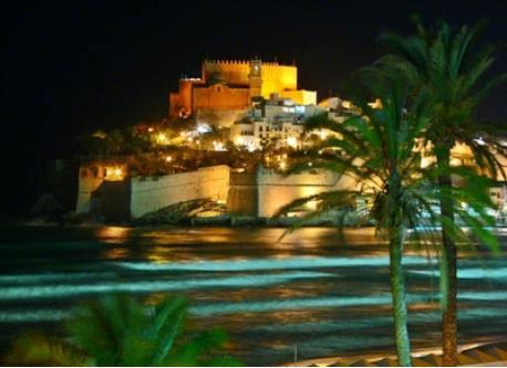 castillo peñiscola de noche