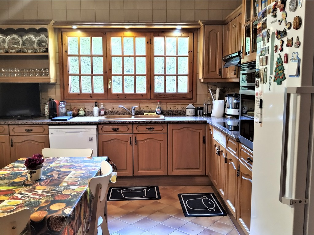 Kitchen with TV