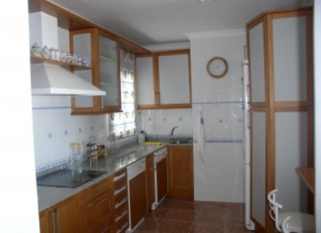 Vista lateral de la cocina