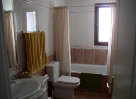 Baño de uno de los dormitorios